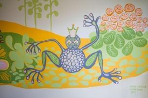 Luonnonläheiset maalaukset on tehty taloyhtiön kolmeen eri rappuun.