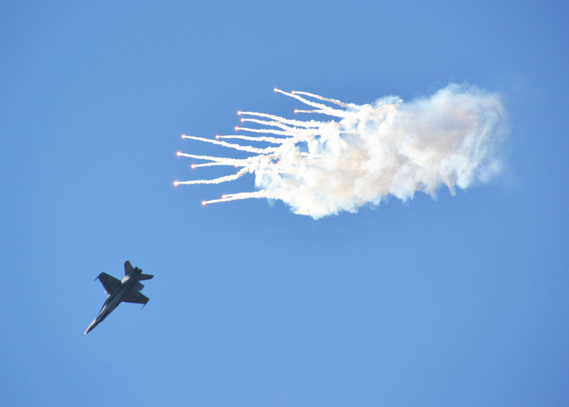 Ilmavoimien esityslentäjä Ville Uggeldahlin lento F/A-18 Hornet –monitoimihävittäjällä oli monen mielestä näytöksen vaikuttavin.