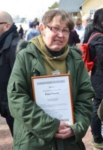 Eira, Erru, Ormio nimettiin Vuoden kunniamosalaiseksi monenlaisesta uurastuksestaan kyläyhteisön hyväksi.