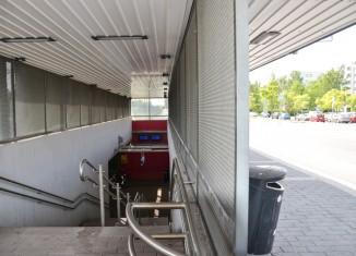 Puistolan asema portaat